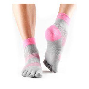 Toesox Minnie Sport Socks_4AM Flush