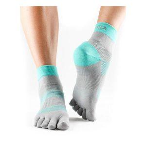 Toesox Minnie Sport Socks_4AM Ice