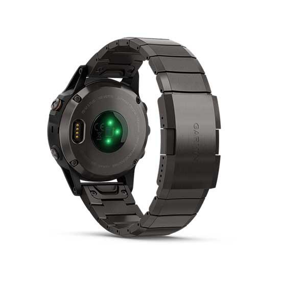 Garmin-Fenix-5-Plus-Sapphire-Carbon-Gray-DLC-Titanium-with-DLC-Titanium-Band-4